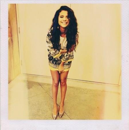 Selena Gomez se viste de fiesta con las ruinas de Dolce & Gabbana