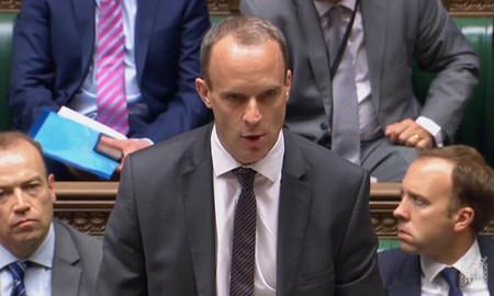 En plena negociación del Brexit, el gobierno británico acaba de descubrir que Reino Unido es una isla