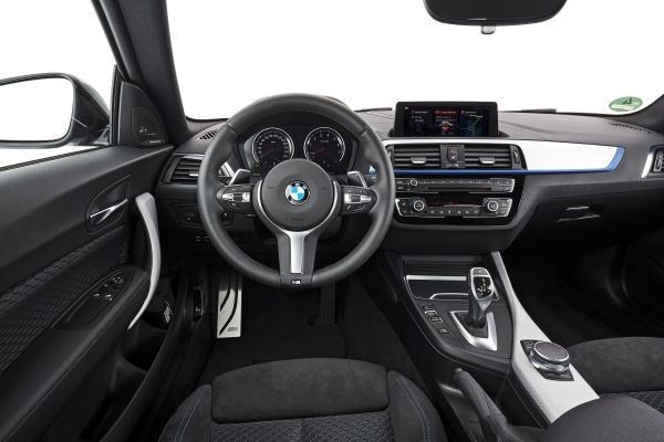 Foto de BMW M240i Convertible (18/18)