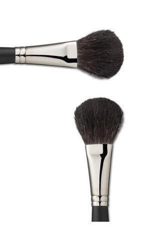 Brocha de colorete y brocha biselada: cómo usarlas