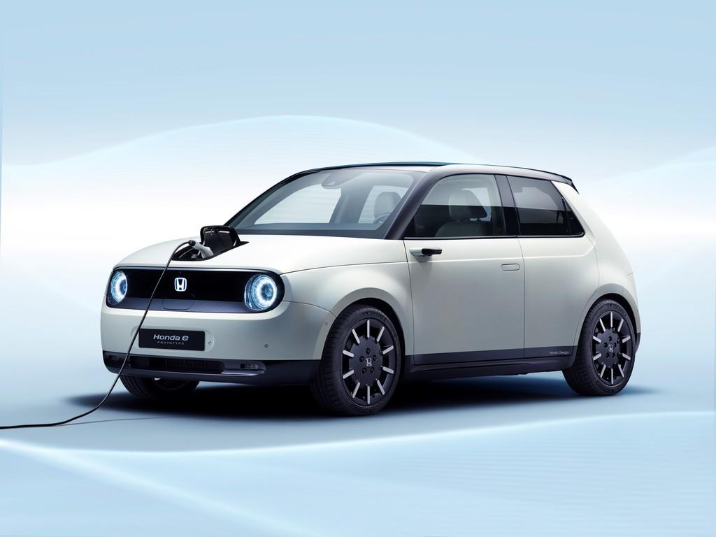 Honda detalla su coche eléctrico Honda e: batería de 35,5 kWh, 200 km de autonomía y agilidad urbana