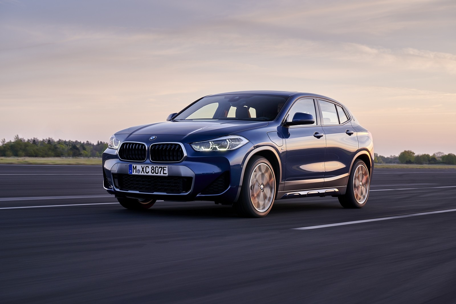 Foto de BMW X2 xDrive25e 2021 (25/53)