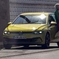 El Volkswagen Golf VIII se escapa antes de tiempo: así luce sin camuflaje la octava generación del compacto