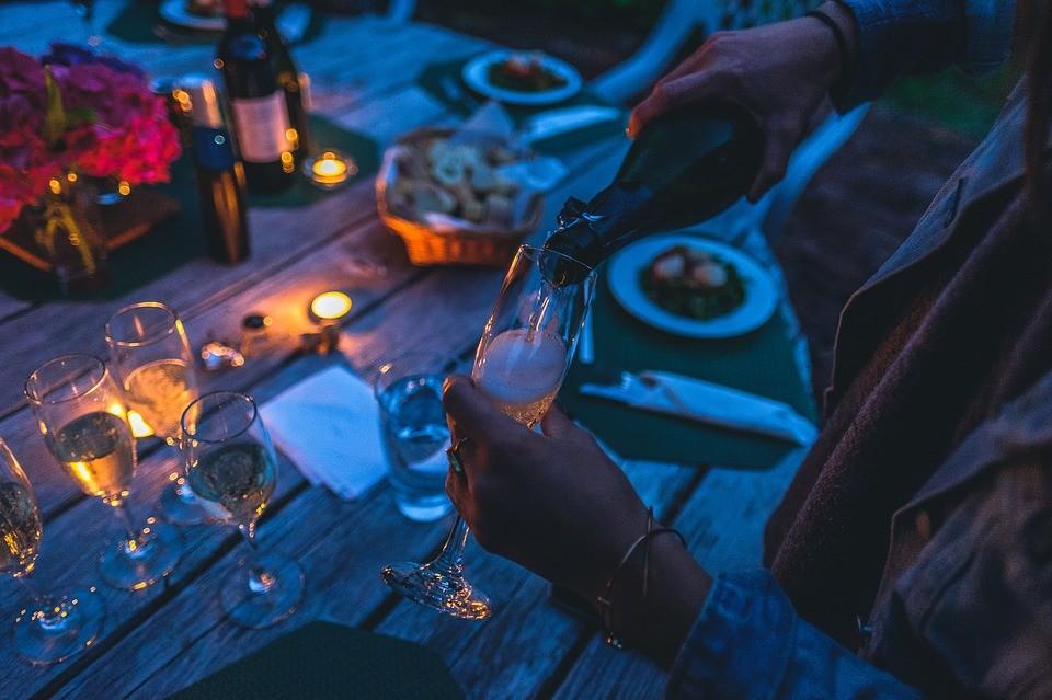Cinco tips para organizar la fiesta de verano perfecta