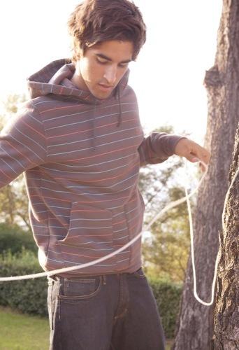 Loreak Mendian, colección Primavera-Verano 2009, pantalones y sudadera