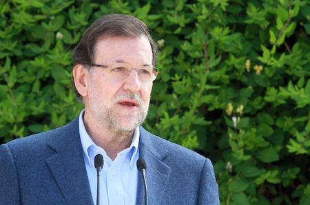 Rajoy anuncia una fuerte bajada del paro en mayo y un nuevo plan de empleo dotado con 3.630 millones de euros