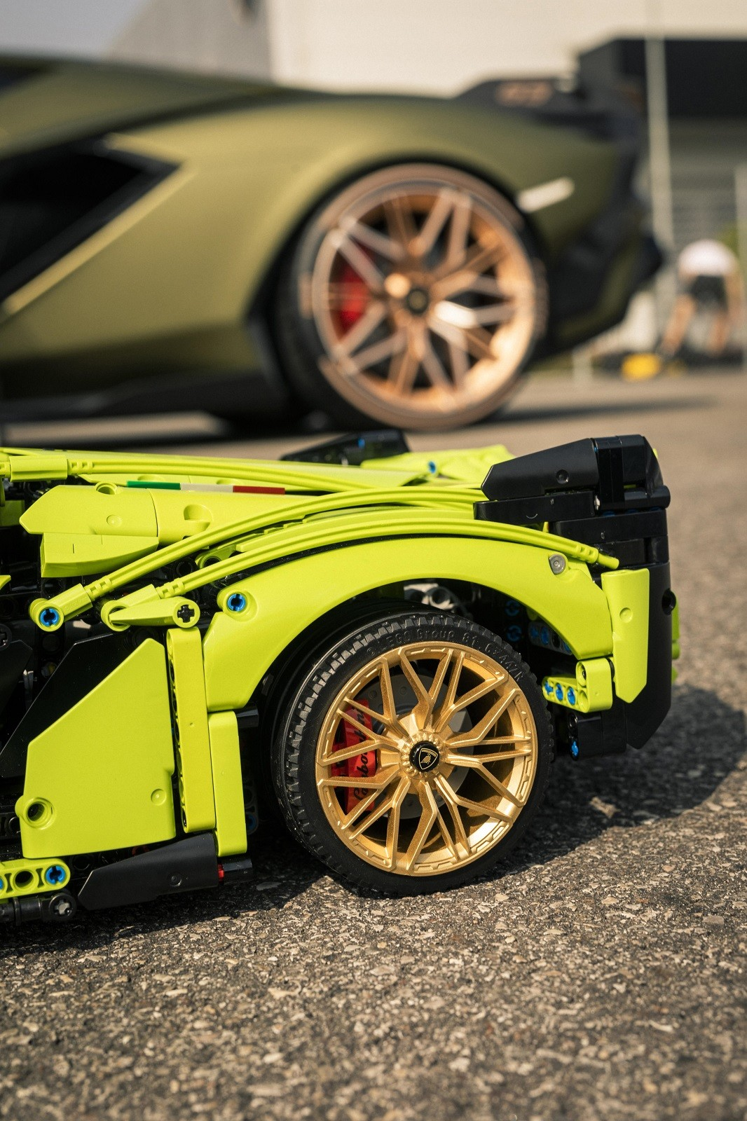 Foto de Lamborghini Sián FKP 37 de LEGO (9/15)