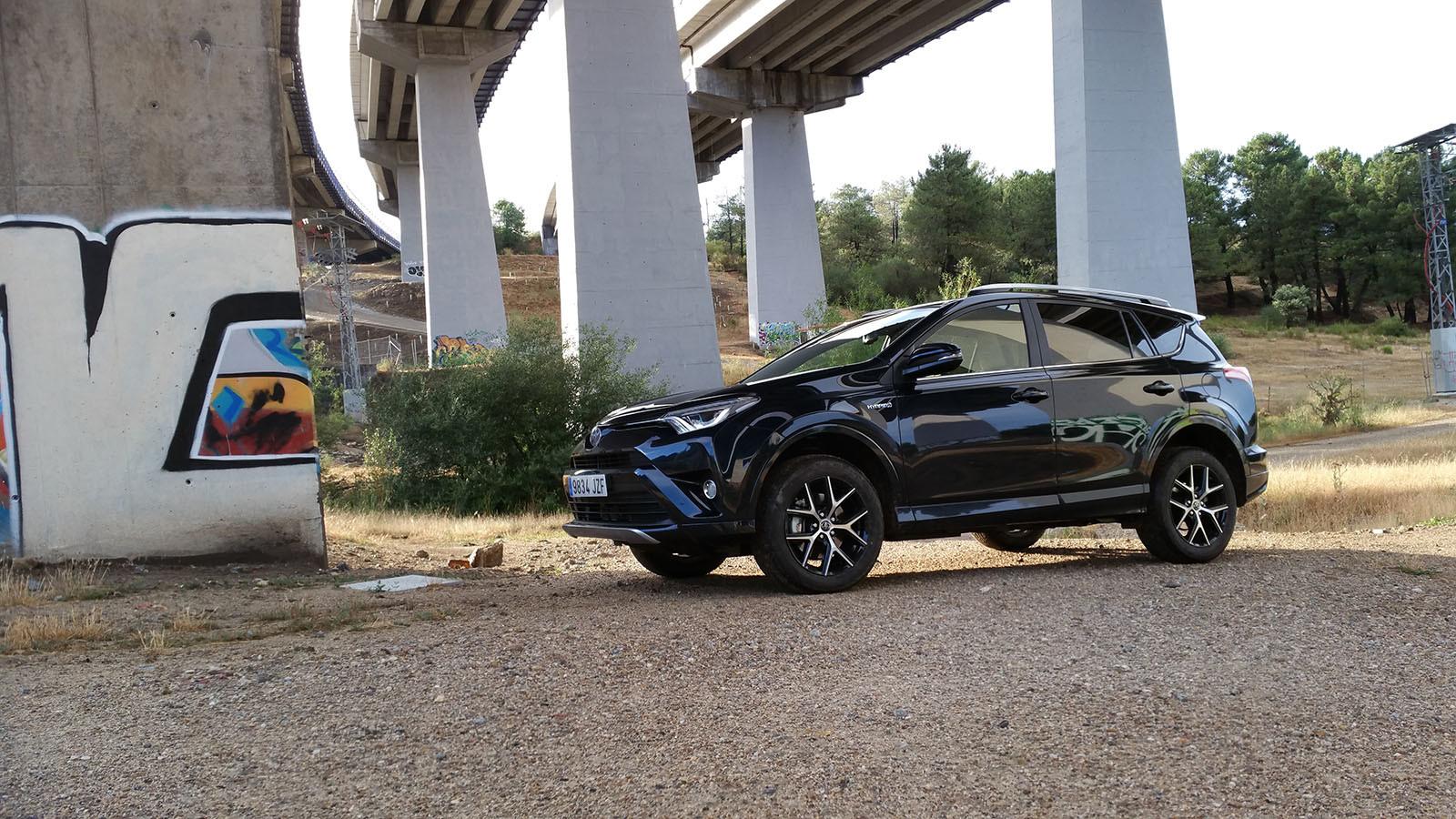 Foto de Nos metemos campo a través con el Toyota RAV4 hybrid 2WD-Exteriores (1/44)