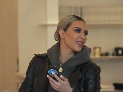 Kim Kardashian se apunta a la (difícil) tendencia que está triunfando entre las fashion insiders