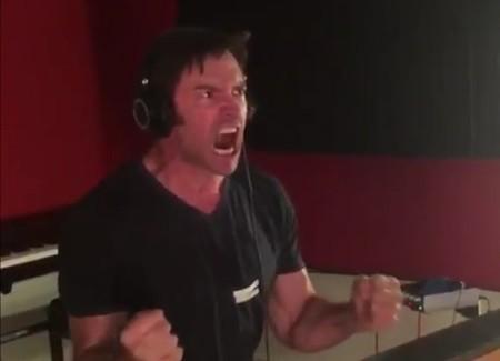 Hugh Jackman desata su ira en este vídeo del doblaje de 'Logan' y tememos que nadie podrá sustituirle