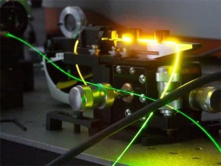 ¿Cómo se fabrica la fibra óptica?