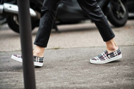 Duelo de zapatillas: Céline causa furor
