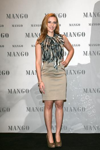 Scarlett Johansson presenta la campaña Mango Invierno 2009/2010