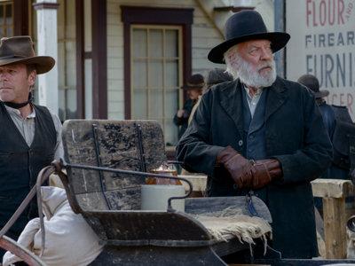 'Forsaken', tráiler del western con Donald y Kiefer Sutherland