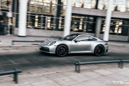 Probamos el Porsche 911 Carrera S: porque un deportivo de 450 CV también puede ser una compra racional