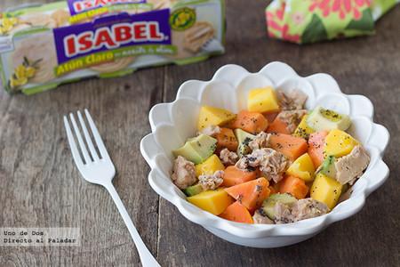 Receta de ensalada tropical de mango, papaya y aguacate con atún Isabel