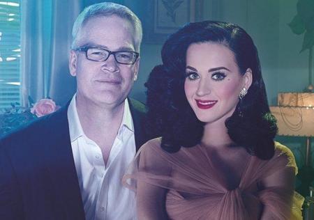 Katy Perry se plancha el pelo y David LaChapelle le hace fotos: como molan los famosos