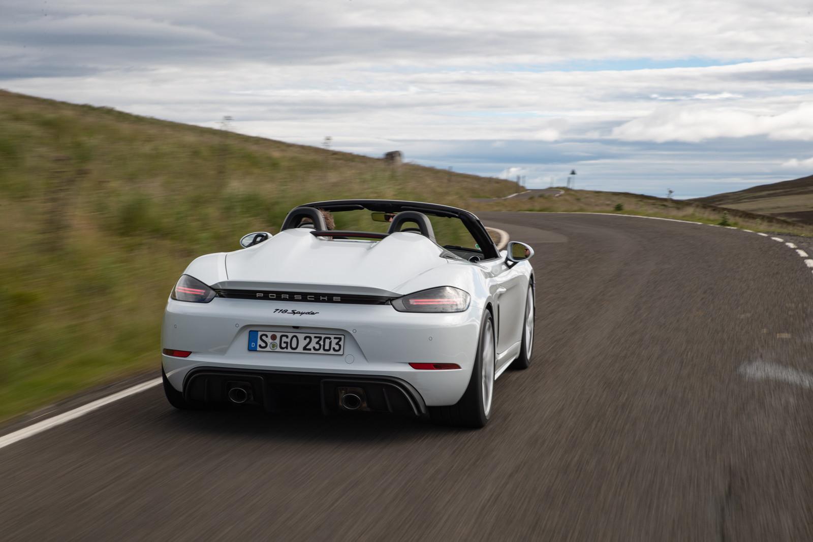 Foto de Porsche 718 Spyder (prueba contacto) (46/296)