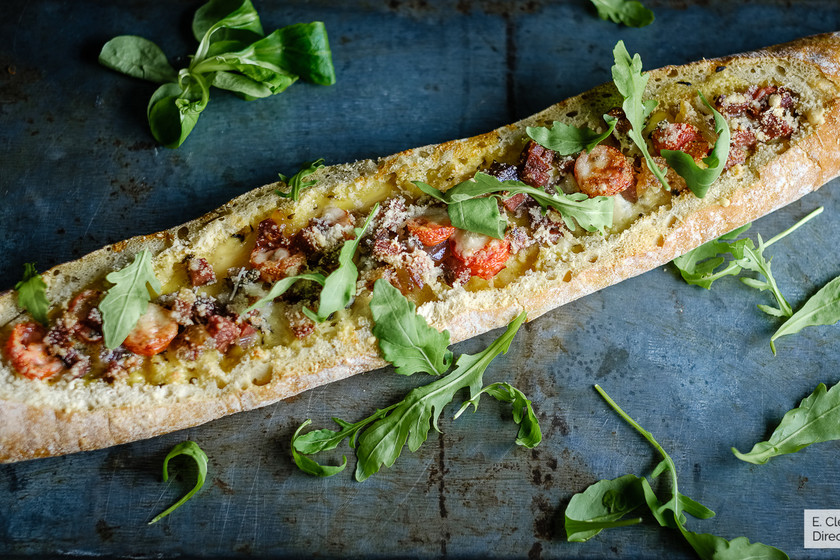 Baguette al horno rellena: receta para una cena diferente