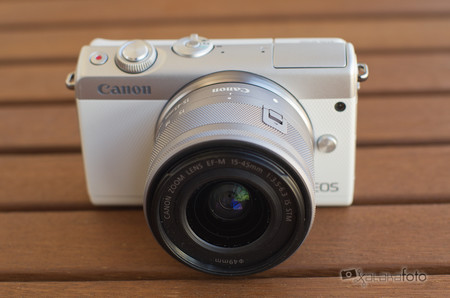 Review Canon Eos 100m 1
