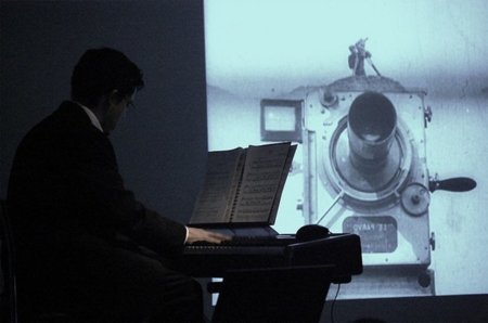 Permitido disparar al pianista [por Josep Jover]