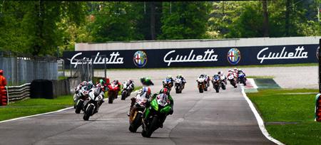 El aguacero de Monza incendia el campeonato de Superbikes