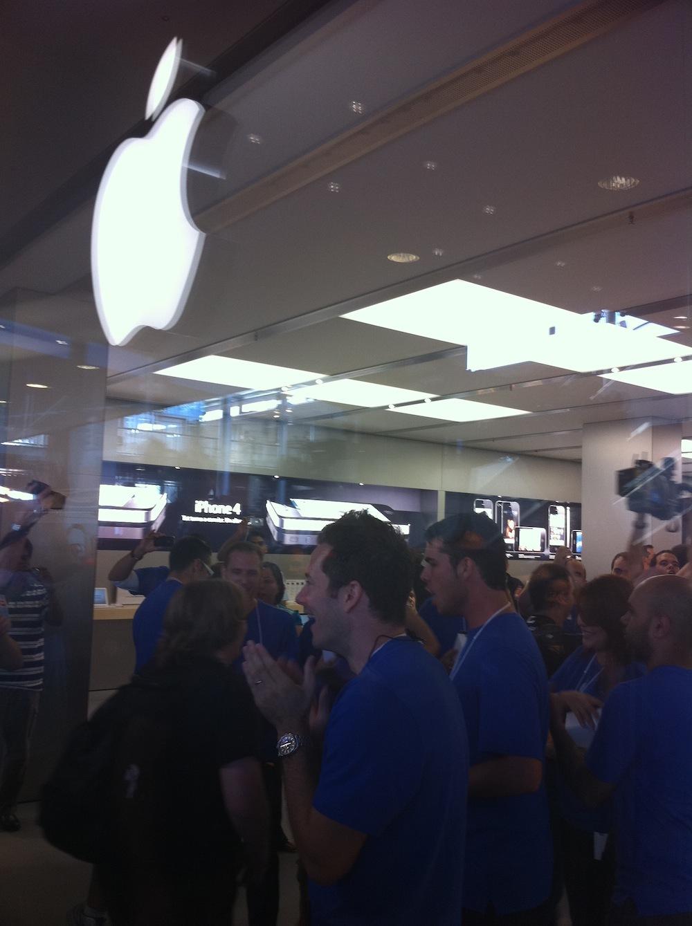 Foto de Inauguración Apple Store La Maquinista (53/93)