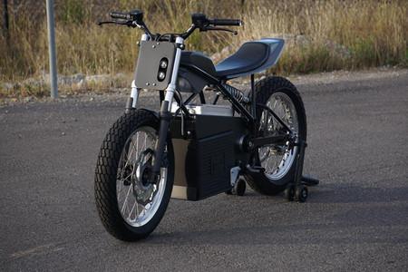 La Concept Z es un prototipo de moto eléctrica que tira de estilo flat track para romper el molde, con 70 CV y 157 Nm
