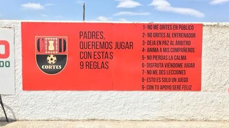 Las nueve reglas de un club navarro para los padres que van a ver jugar al fútbol a sus hijos