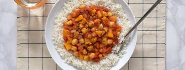 Curry de garbanzos con melocotón en almíbar: una sorprendente receta para comer bien con botes de conserva
