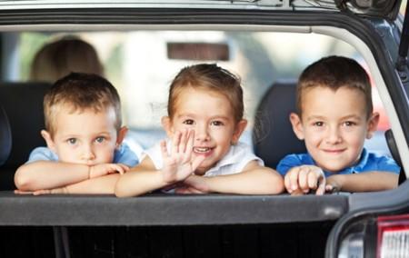 ¡No se debe dejar a un bebé en un coche aparcado en ninguna época del año pero menos aún en verano y menos en Andalucía!