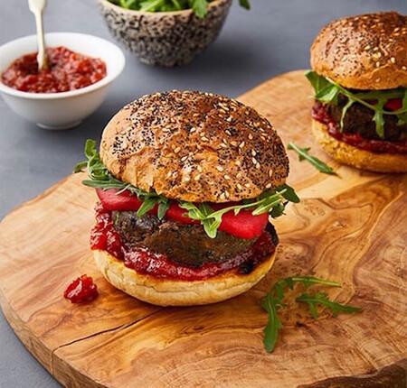 Hamburguesa vegana de berenjena y lentejas. Receta fácil