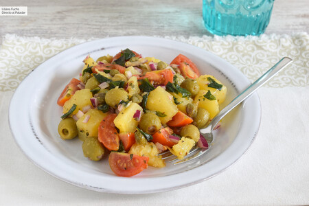 Ensalada pantesca de patata, la otra gran ensalada italiana perfecta para el calor del verano