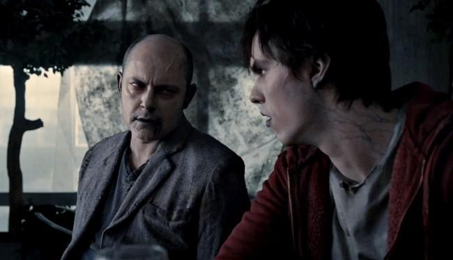 Imagen de Rob Croddry y Nicholas Hoult en 'Memorias de un zombie adolescente'