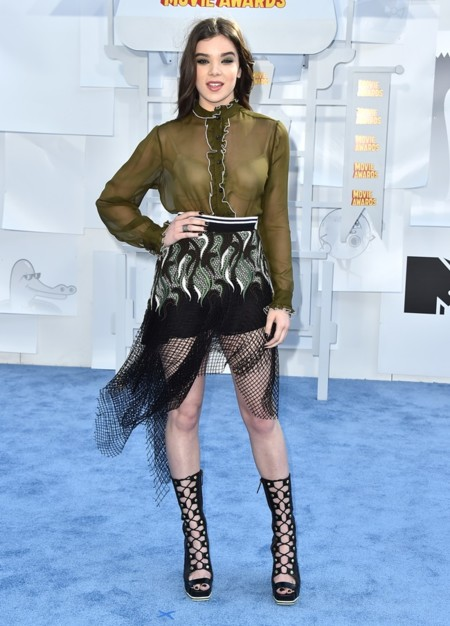 Hailee Steinfeld Mtv Movie Awards 2015