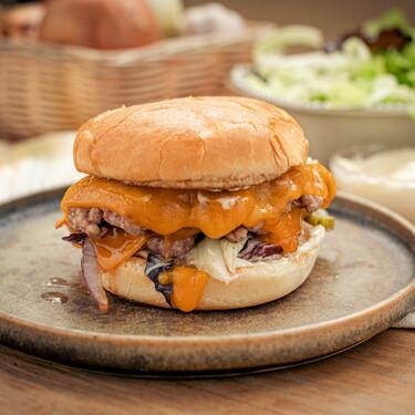 Smash burger: así se hace la receta de hamburguesa con queso preferida de EEUU (ideal para hacer en casa)