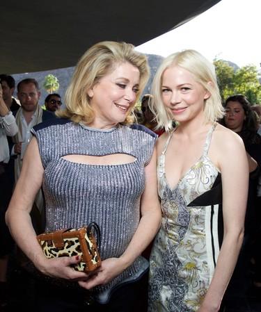 Celebrities y fashion insiders se apoderan de Palm Springs. Así fue el front row del desfile de Louis Vuitton