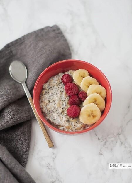 Porridge con leche de almendras y semillas de chía