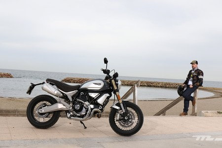 Probamos la Ducati Scrambler 1100: Clásica por fuera pero más divertida y tecnológica que nunca