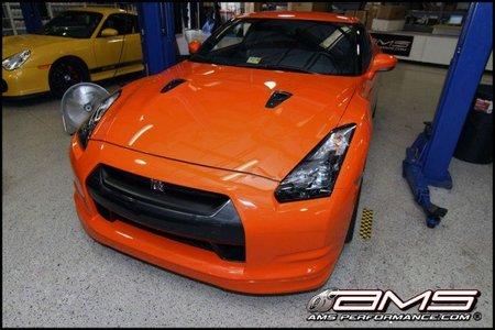 Nissan GT-R Agent Orange, cuando tienes dinero y te faltan caballos