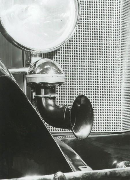 Bocina eléctrica para automóvil en 1921