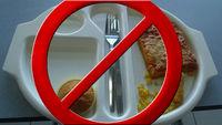 El gobierno británico trata sin éxito de prohibir que una niña haga fotos de lo que come en el colegio