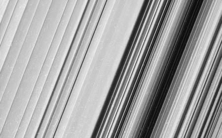 Puedes ver los anillos de Saturno más cerca que nunca en estas imágenes