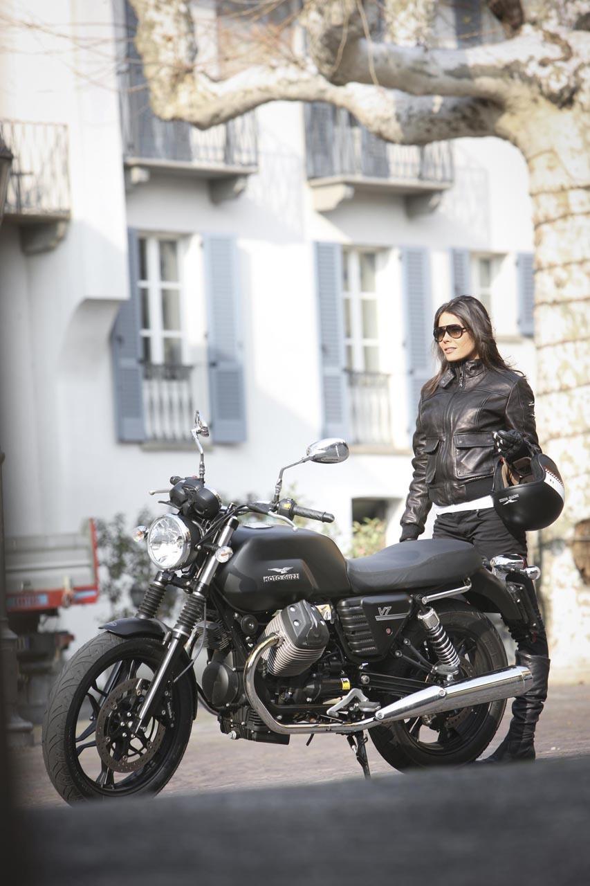 Foto de Moto Guzzi V7 Stone (44/57)