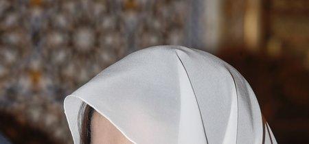 La imagen más inusual de la Reina Letizia: con velo y con el mismo traje blanco de su pedida de mano