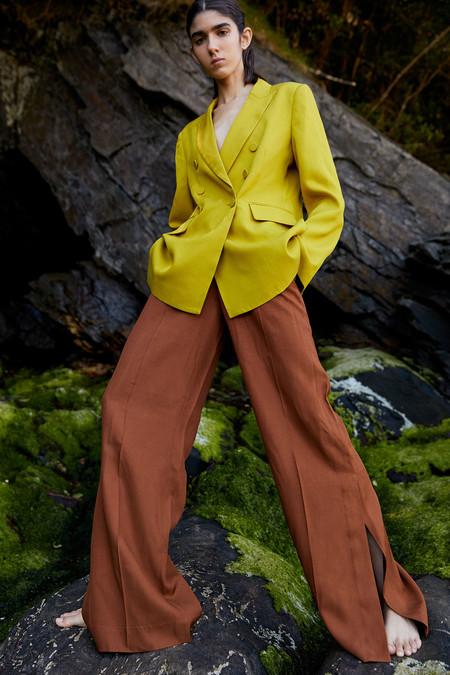 El verano no se viste solo con vestidos, 19 pantalones para ir frescas y diferentes (aprovechando las rebajas 2020)