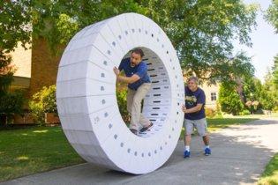 Imagen de la semana: esto es lo que ocurre cuando juntas las cajas de 36 iMacs