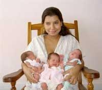 Un parto multiple multiplica a los padres