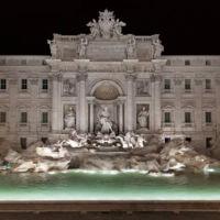 Después de 17 meses de trabajos de restauración la Fontana de Trevi recupera su esplendor original