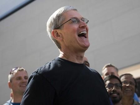 Las acciones de Apple se marcan un nuevo récord, y están cerca de los 800 mil millones de dólares